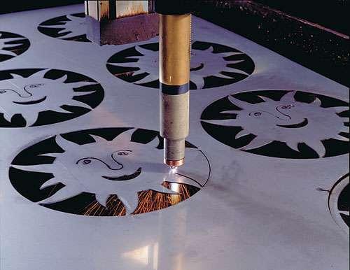 Những điều cần biết về máy cắt gia công CNC trong sử dụng